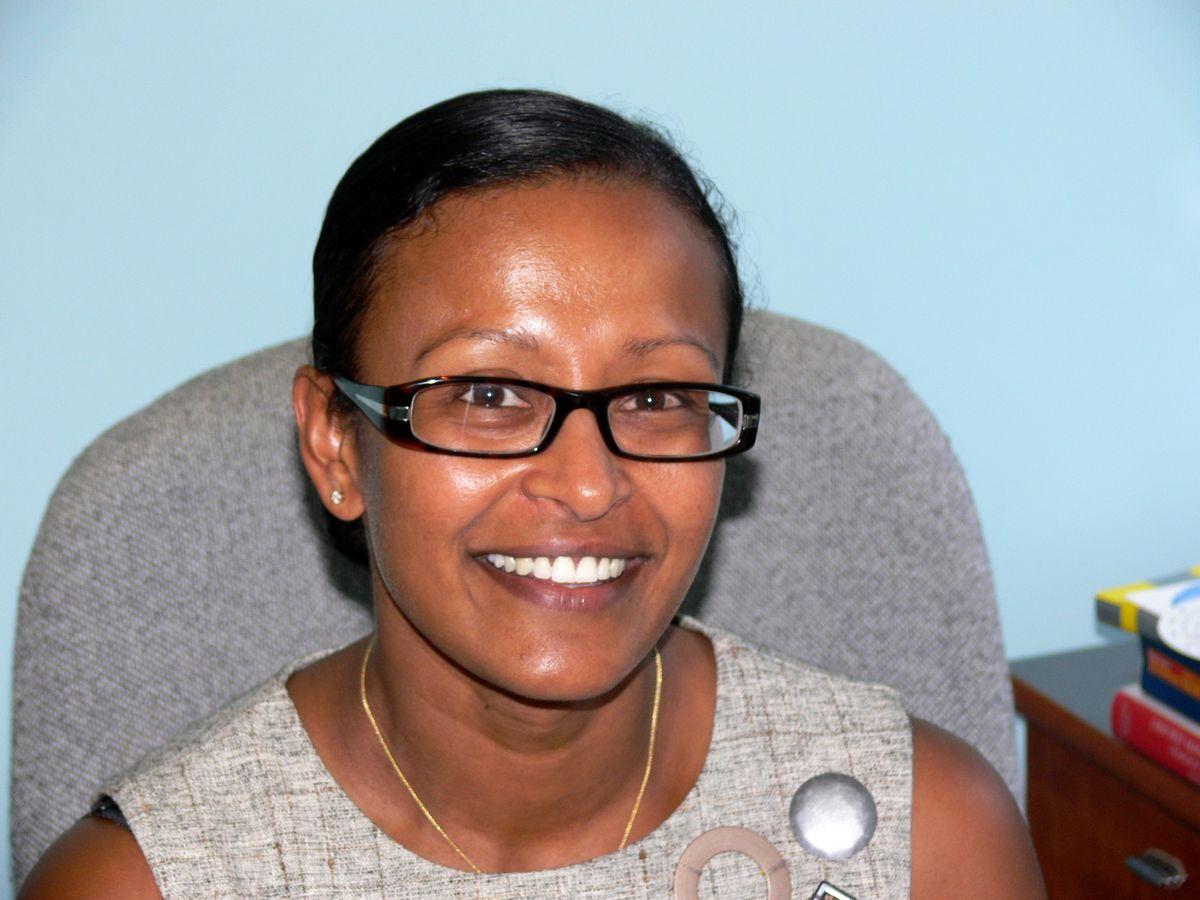 Dr Mridula Lewis